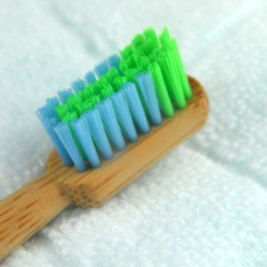 round handle bamboo toothbrush with painting