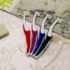 China supplier OEM daily use kids toothbrush